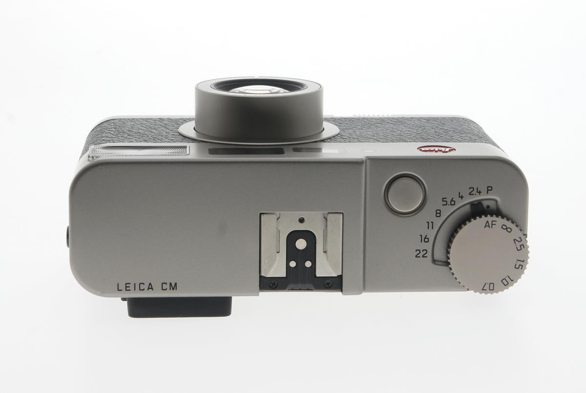 leica cm 40mm f2 4 point shoot summarit 35mm filmkamera. Black Bedroom Furniture Sets. Home Design Ideas