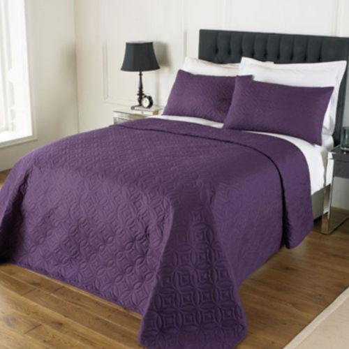 Embossed Bedspread And 2 Pillow Shams Double King Size