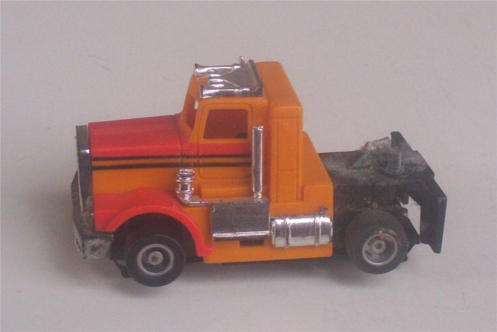 Semi Truck Cab Only for Gravel Supply Tyco US 1 Trucking Slot HO Electric