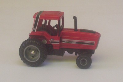 International 5088 Red Farm Tractor 1 64 Ertl Diecast Toy