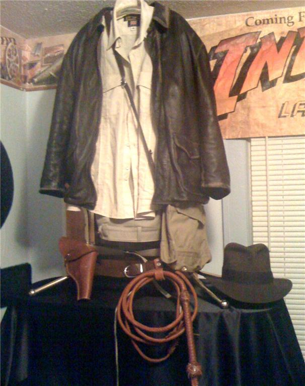 Dark Brown Cowhide Leather, only for a Bullwhip Flat Fall