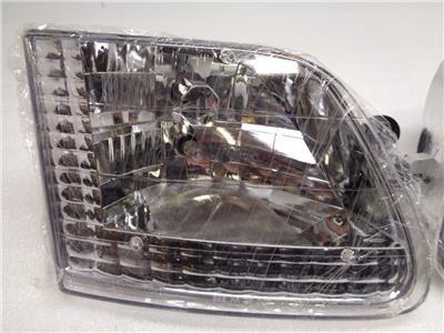 Pair 03-00-CWC-CE15 IPCW CWC-CE15 Crystal Diamond Cut Headlight