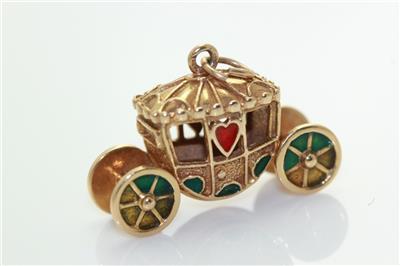 Vintage 9K Yellow Gold 3-D Princess Carriage Charm Pendant wCupids