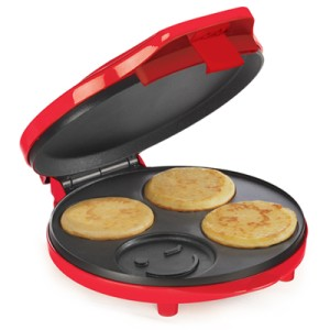 Bella 13537 Smiley Pancake Maker - Perfect for Christmas ...