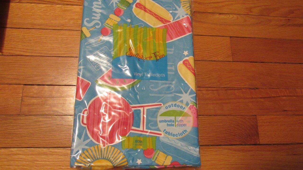 Summer Outdoor Vinyl Umbrella Tablecloths W Zipper 11