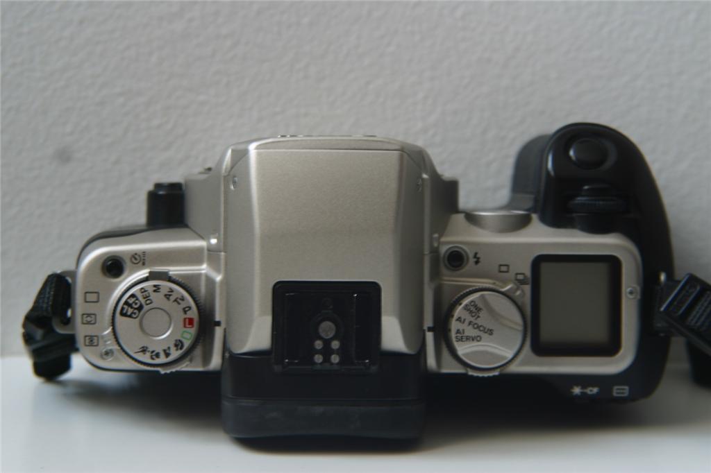 Analoge Fotografie Canon Eos 500 Analoge Spiegelreflexkamera Mit Canon Zoom Ef 35-80mm Bestellungen Sind Willkommen.