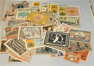 The World of Notegeld Germany 100 Piece different  Colorful Emergency Money