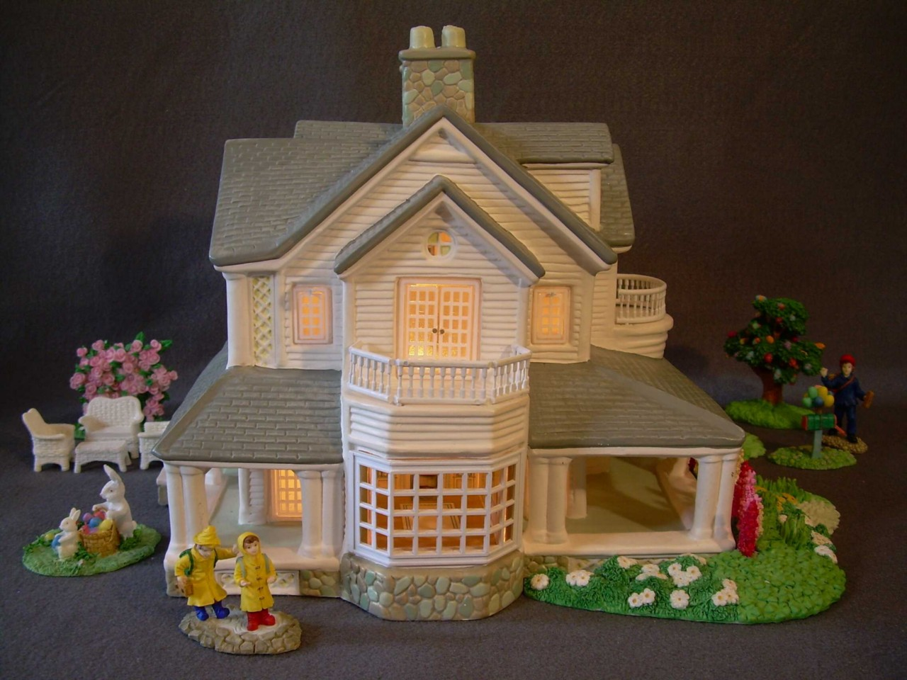Christmas Village Lighted Ceramic House & Accessories