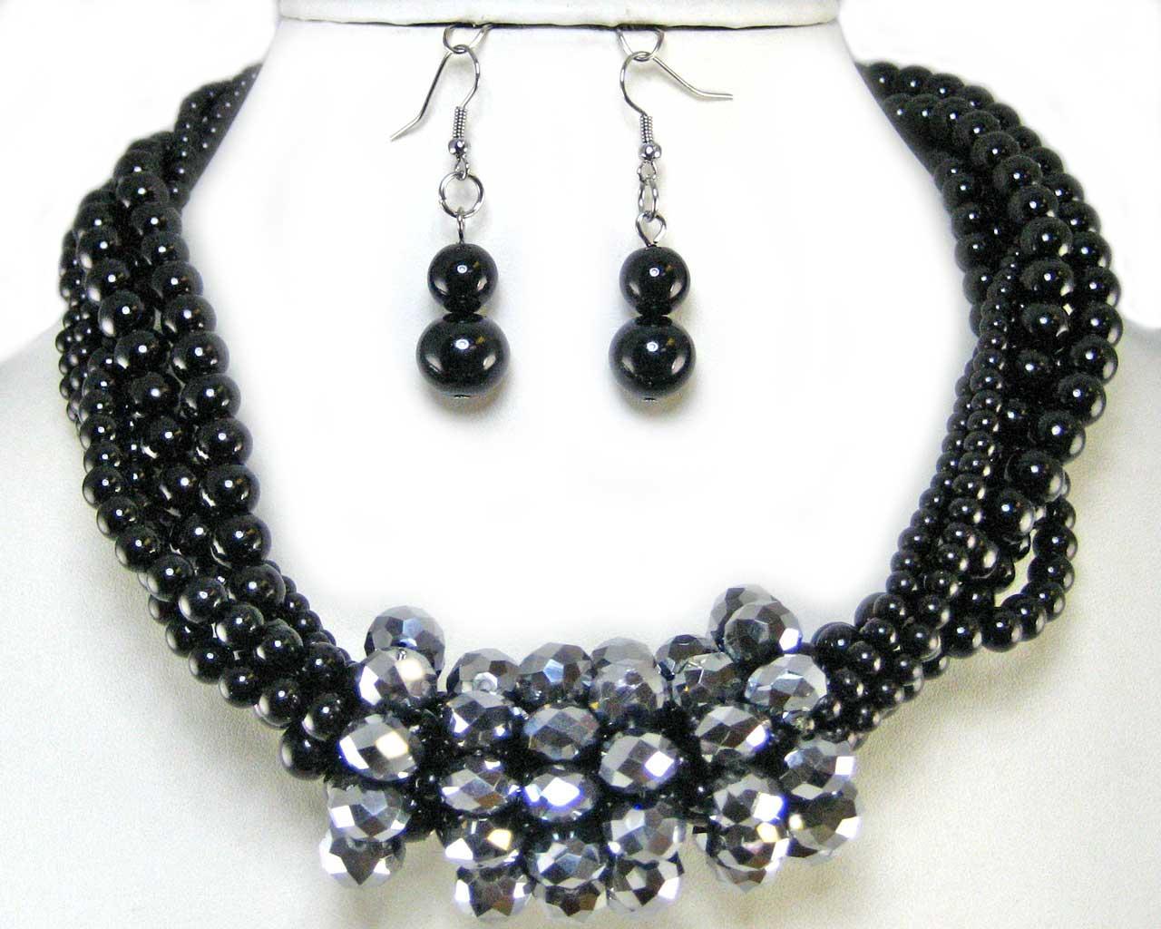 Black Pearl Costume Jewelry 19