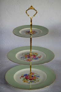 how heavy is a 3 tier wedding cake how to make 3 tier vintage wedding cake plate tiered stand 15401