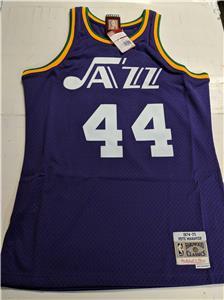 30770b80e Pistol Pete Maravich  44 Utah Jazz Mens S-M-L 74-75 Mitchell Ness ...