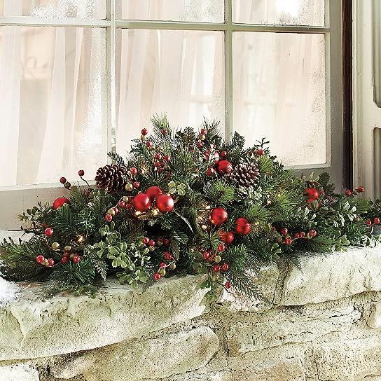 Christmas Swags Decorations: Christmas Merry Berry Outdoor Pre Lit Cordless Wreath