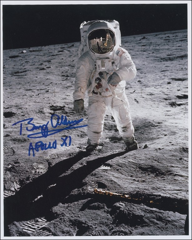 was neil armstrong left handed - photo #17