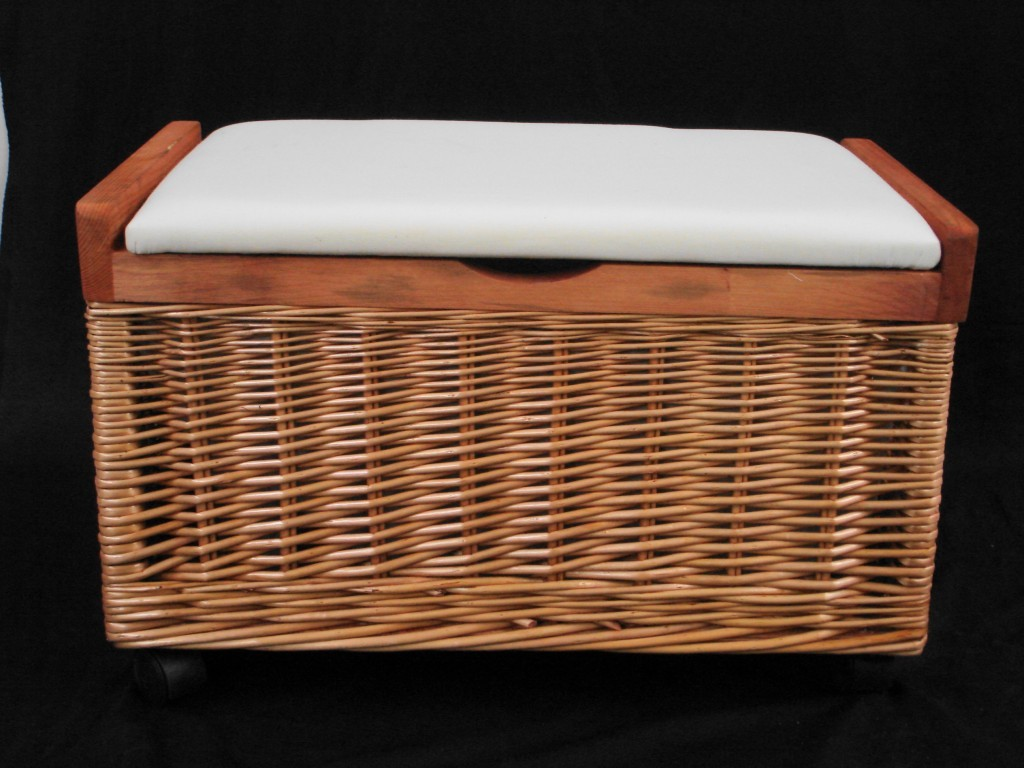 PINE OR BROWN WICKER BEDROOM STORAGE UNIT CHEST TRUNK TOY