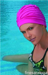 Шапочки тканевые для плавания в бассейне.