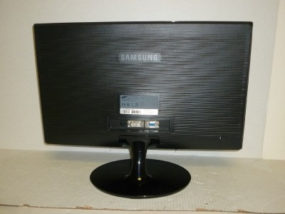 """Samsung SyncMaster S22A300B 21 5"""" Widescreen LED LCD Monitor Black"""