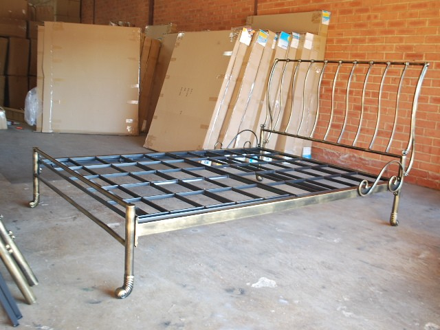 Iron Bed Frames King: Hand Made Classic Iron Sleigh Bed Frame Castings KING 002