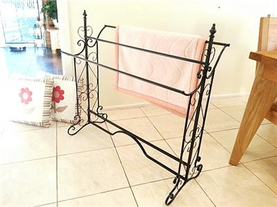 French Style Quilt Blanket Stand Bathroom Towel Rail