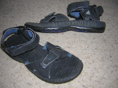 3308a1e6bc9b NIKE ACG Mens AIR DESCHUTZ Strap Sport Sandals Sz 6 on PopScreen