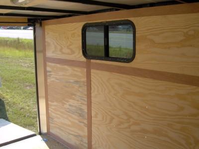 Cargo trailer window install : Zone umide film video
