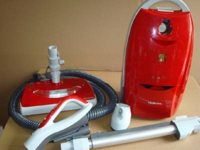 Kenmore Progressive Canister Vacuum Cleaner Red 21714