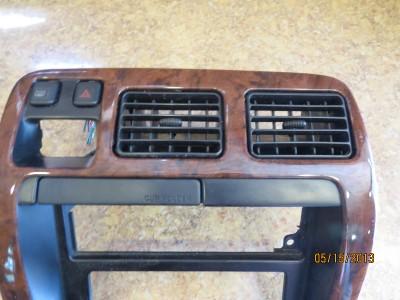 Toyota 4Runner Center Dash Bezel Radio Climate Trim Panel Cover Wood 96 97 98