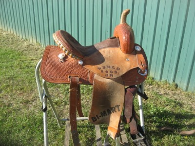 Corriente 13 5 Trophy Barrel Racing Saddle Used on PopScreen
