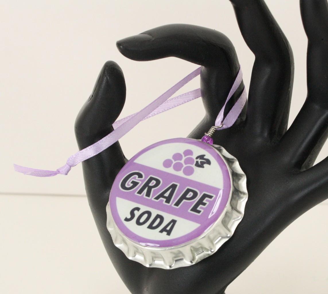 Disney-Pixars-Up-Grape-Soda-Cap-ORNAMENT-Wilderness