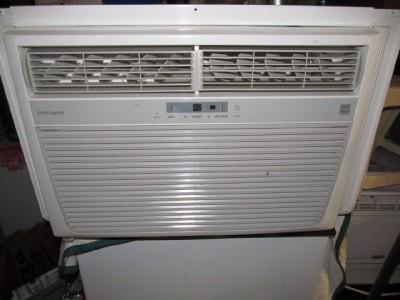 Frigidaire Air Conditioner 25000 25 000 Btu 220 Volts Wall