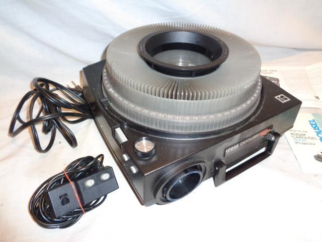 Vintage-Kodak-Carousel-650-HK-Slide-Projector-w-Wired-Remote-Control-amp-140-Tray