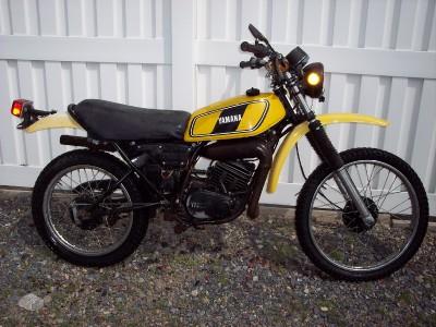78 yamaha dt 125 400 250 175 100 gt 80 headlight bucket ebay rh ebay ca Light Diagram Yamaha 100 Enduro Light Diagram Yamaha 100 Enduro