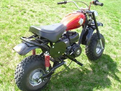 Slow Adults MMC (Mini Motorcycle Club) On Honda Mini Trail ...  Mini Bikes For Adults