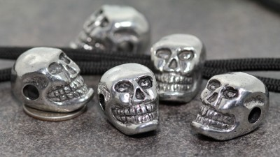 """Skull bead Pewter Vertical 3//16/""""hole Glow n Dark Eyes JEBE-TM-002"""