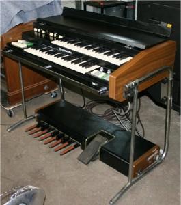 beautiful original hammond x 5 portable organ porta b. Black Bedroom Furniture Sets. Home Design Ideas