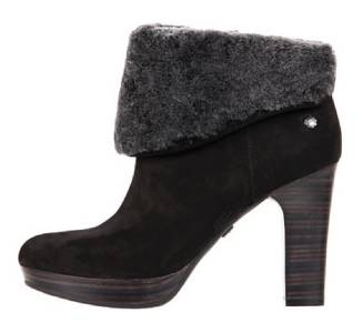 39a8bb65485 Who Carries Ugg Boots Near Me   MIT Hillel
