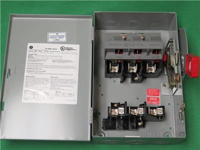 GE 100 AMP 240 VOLT 2 POLE 3W FUSIBLE HEAVY DUTY DISCONNECT SWITCH TH3223R 3R