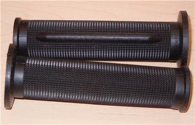 "Tommaselli Daytona Style Grip Set Black Rubber 7//8/"" Vintage Reproduction Suzuki"