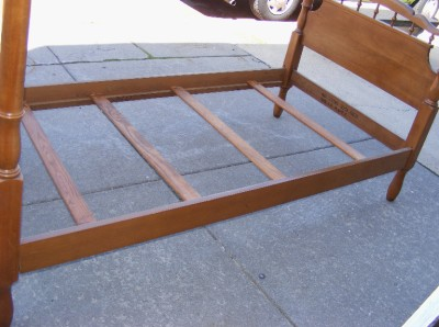 Twin Old Vintage Elegant Solid Maple Wood 4 Tall Post Bed