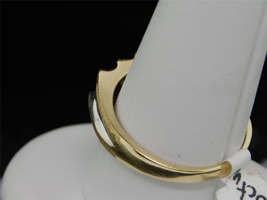 Mens Yellow Gold Diamond Wedding Engagement Band Ring