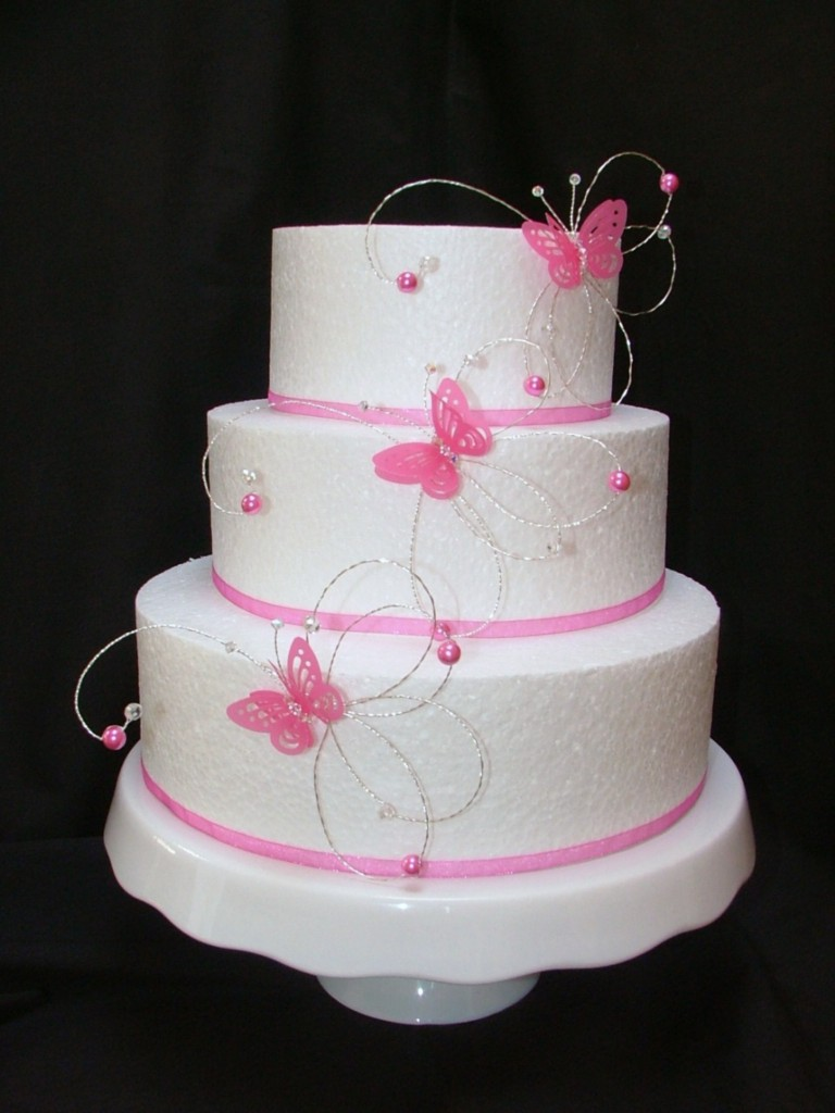 hot pink wedding cake ideas pink fushia butterfly side wedding cake 15341