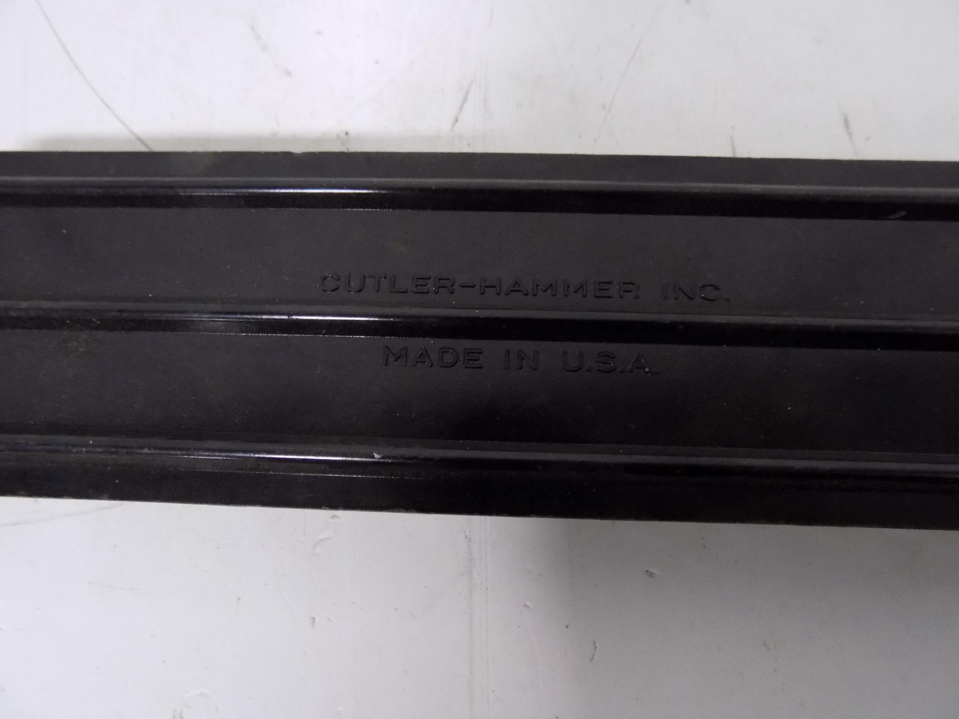 Large 12 position Screw Connector Terminal Strip Block Cutler Hammer Inc USA