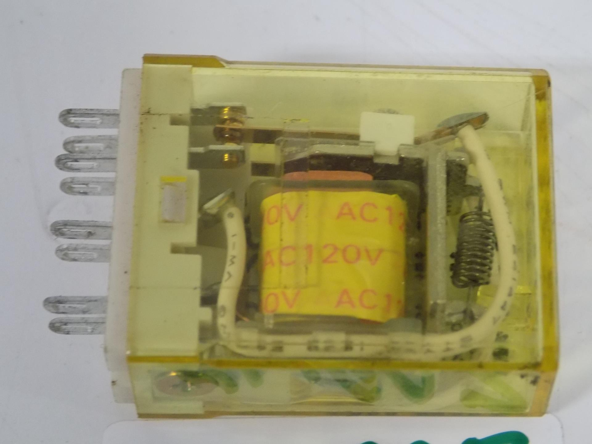IDEC AC120V RELAY LOT OF 4  RY2S-U