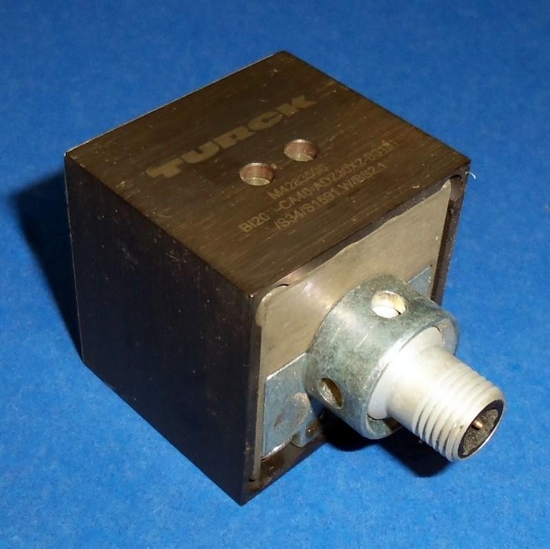 Turck Rectangular Proximity Switch 20mm Range Bi20 Ca40