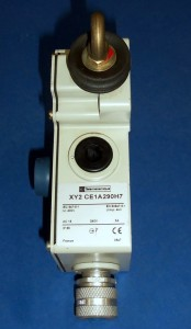 Telemecanique Pull Cable Emergency Stop Switch Xy2 Ce1a290h7