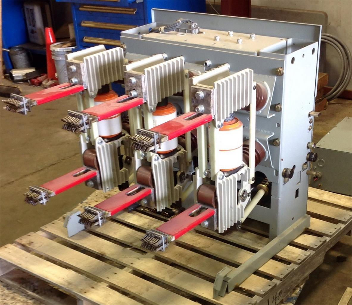 Siemens 1200a A C High Voltage Circuit Breaker Type 5 3af