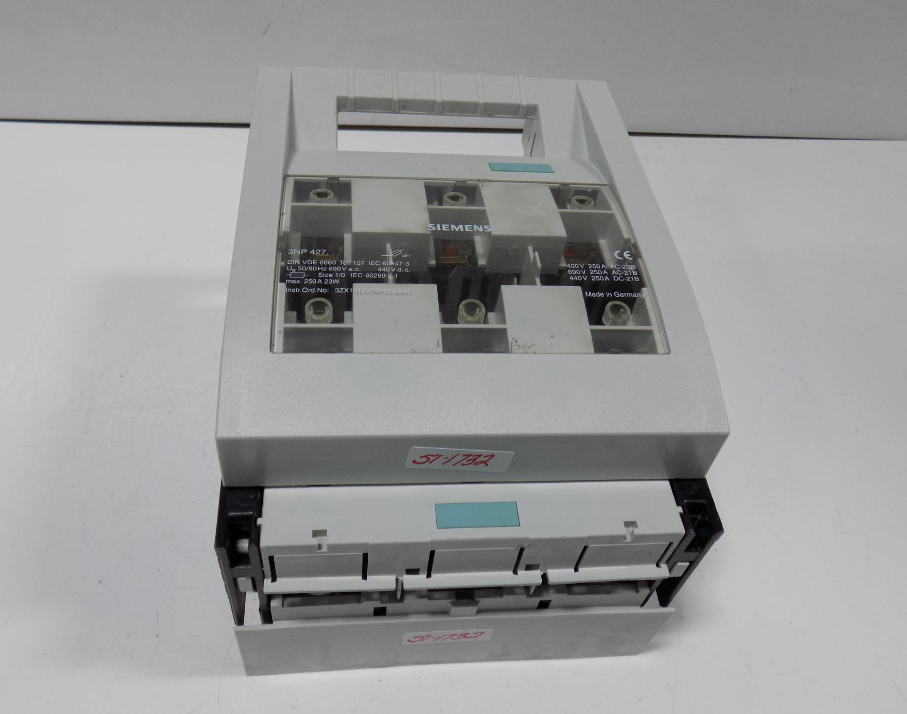 siemens 250 amp fuse switch disconnect 3np 427 ebay rh ebay com Disconnect Switch Box Air Conditioner Disconnect Box