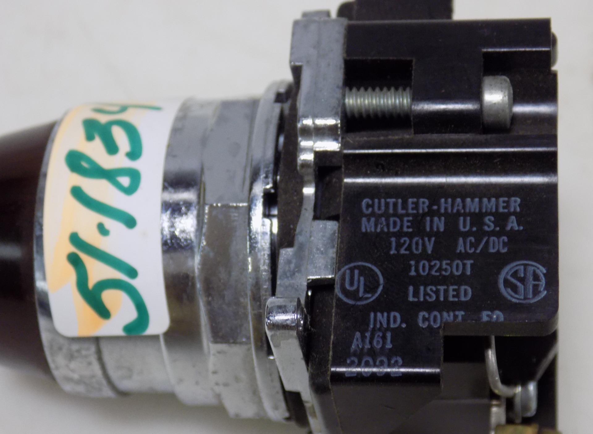 CUTLER HAMMER  WHITE PUSH BUTTON 10250T//91000T *PZF*