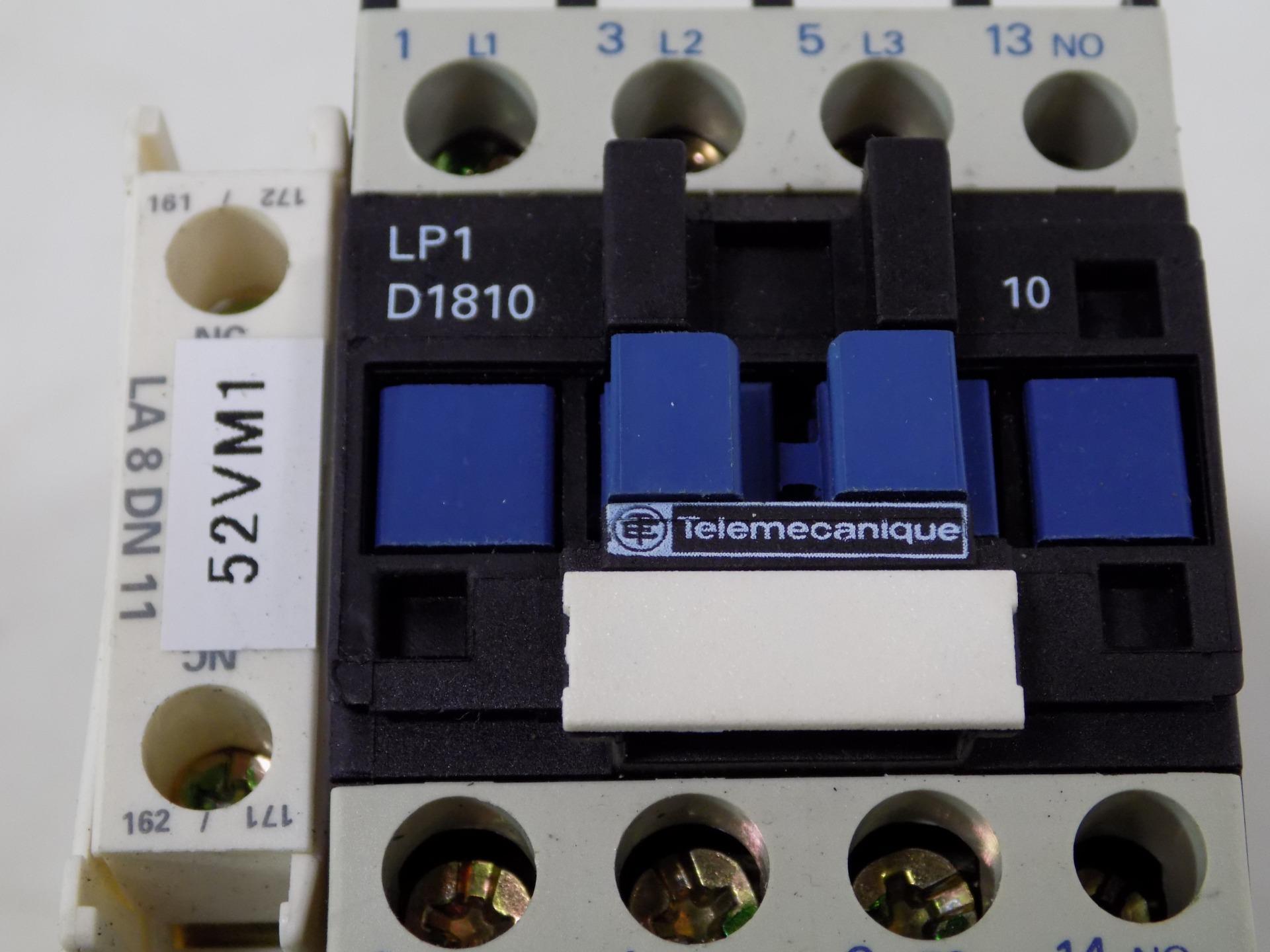 TELEMECANIQUE CONTACTOR LP1 D32 01 W// LA4 DE 1E