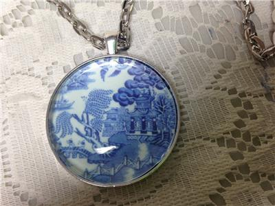 2 in 1 Combo,1.25in Round Blue Willow Necklace and 3.5in L Silver Tone Key Chain