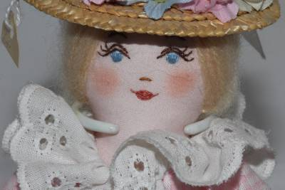 Authentic Minnie Pearl Autographed Handcrafted Susie Doll